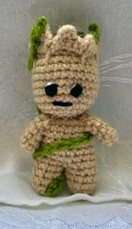 DIY – crochet Baby Groot – lipgloss and palmtrees | 2827x1634